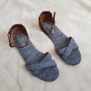 Toms Cirrea Chambray Leather Flat Ankle Sandal 9.5